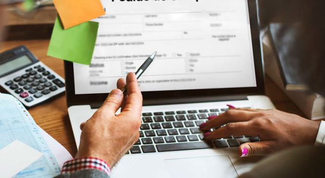 Comprando melhor: vantagens em usar um software para fazer o pedido de compra