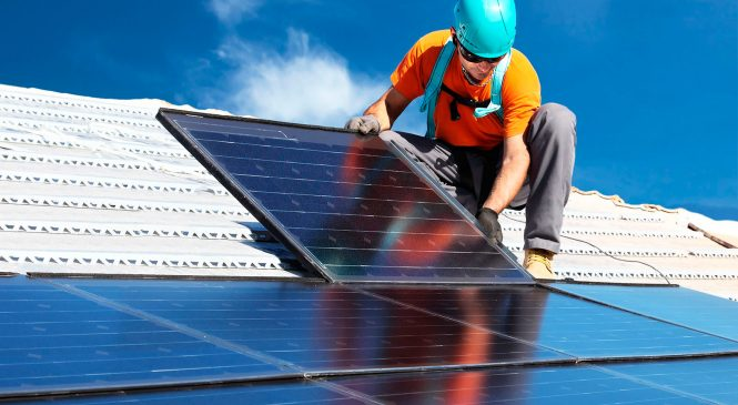 Energia solar na loja: 10 motivos para investir nesse sistema