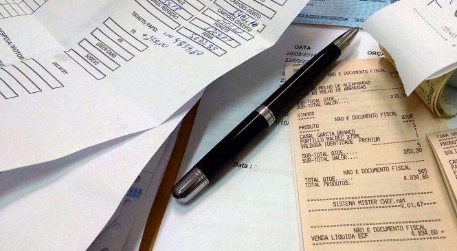Como reduzir os gastos com a conta de luz no varejo