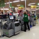 Como escolher e implantar o self-checkout para supermercado