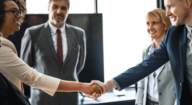 Benefícios em participar de centrais de negócios para comprar melhor
