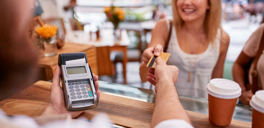 Como reduzir custos na venda de cartão na sua loja