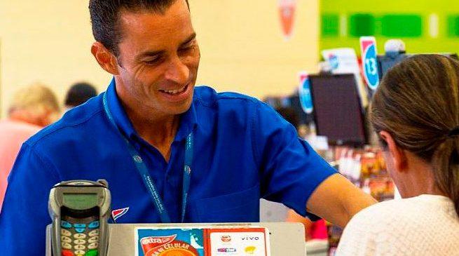 Entenda como implantar em sua loja as políticas de uso de uniforme para empresas
